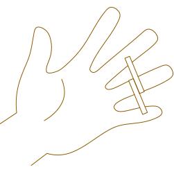 指の太い部分に紙または糸を巻き付けます。