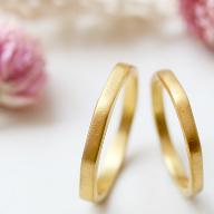 末広がりを意識してデザインした八角形の結婚指輪