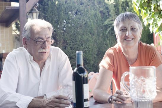 仲の良い老夫婦