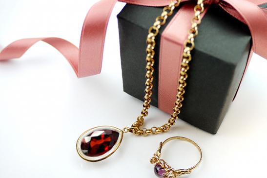 ガーネットとプレゼント